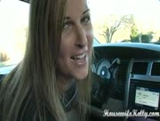 Houswife Kelly Car Handjob